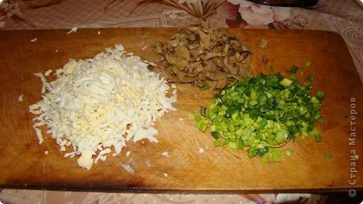 """Салатик """"Лёгкий"""" давно уже прижился на нашем столе. Он очень прост в приготовлении и вкусный. фото 3"""