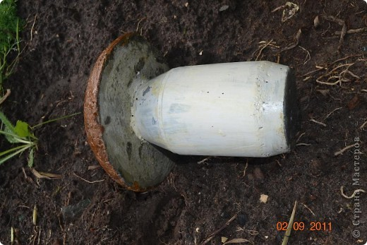 Вот такие грибы у меня получились. Шляпка это миска а ножка бутылка. фото 6
