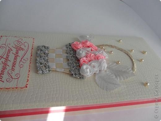 Были заказаны 2 открытки на одну и ту же свадьбу. Понравилась моя работа по  мотивам работ Елены Милбрадт http://stranamasterov.ru/node/131680 Подавай сердечки, и все тут! Пришлось подумать, чтобы открытки получились совсем разными фото 3