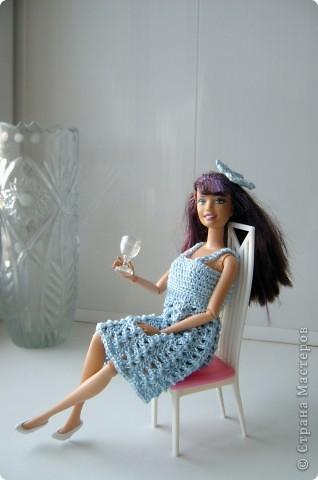 Дочка попросила для новой куколки сделать наряды. Шить я не умею, пришлось браться за крючок... фото 4