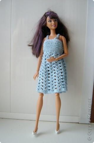 Дочка попросила для новой куколки сделать наряды. Шить я не умею, пришлось браться за крючок... фото 3