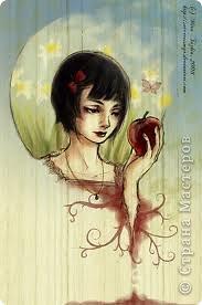 """Зарифмованная история, которая произошла давно. До сих пор её помню. Услышала её еще девчонкой и была потрясена. Видимо, осталось где-то в подсознании, раз через столько лет родилась в рифме. Не браните меня....  Автор Mira Tazkia """"Tale of Snow White"""""""