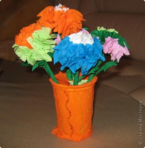цветы из гофрированной бумаги фото 2