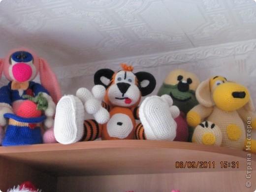 Вот и дождались мои игрушки своего домика. Вы думаете наш домик трехэтажный? Нет, в нем шесть этажей и заселены они полностью. фото 3