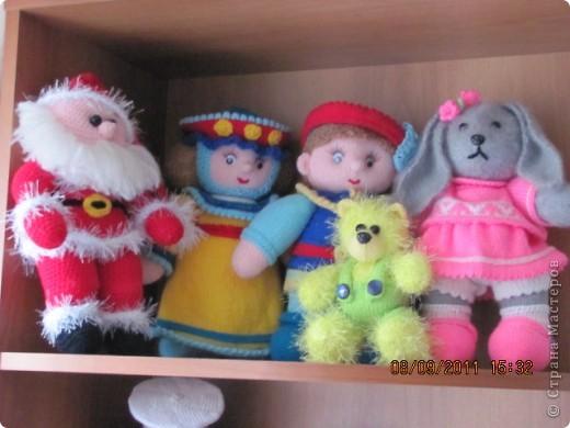Вот и дождались мои игрушки своего домика. Вы думаете наш домик трехэтажный? Нет, в нем шесть этажей и заселены они полностью. фото 4