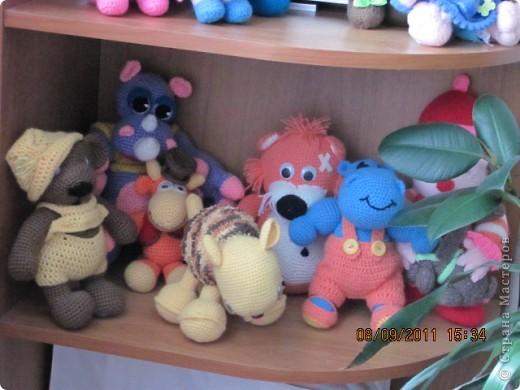Вот и дождались мои игрушки своего домика. Вы думаете наш домик трехэтажный? Нет, в нем шесть этажей и заселены они полностью. фото 8