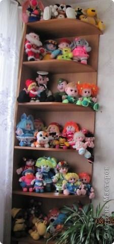 Вот и дождались мои игрушки своего домика. Вы думаете наш домик трехэтажный? Нет, в нем шесть этажей и заселены они полностью. фото 2