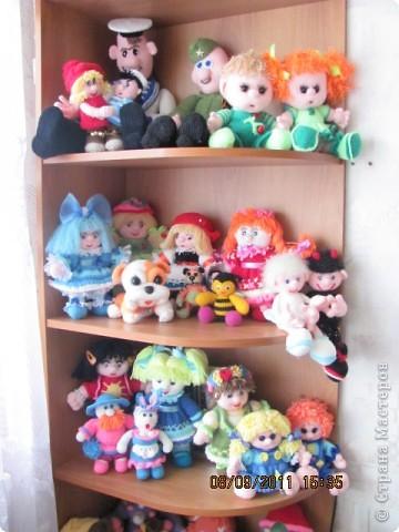 Вот и дождались мои игрушки своего домика. Вы думаете наш домик трехэтажный? Нет, в нем шесть этажей и заселены они полностью. фото 1