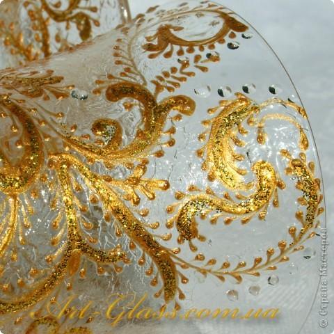 Свадебные бокальчики с золотыми кренделями. фото 2
