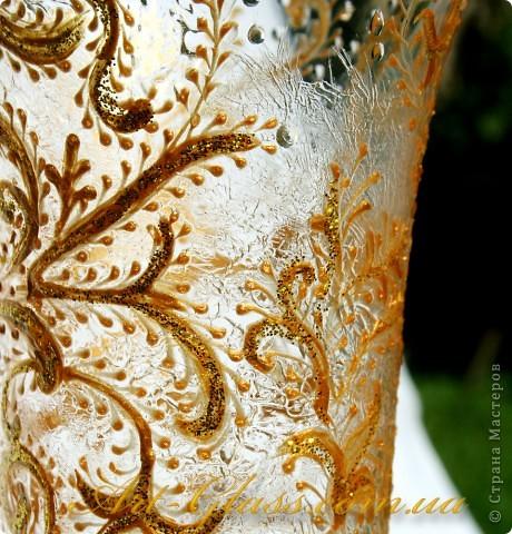 Свадебные бокальчики с золотыми кренделями. фото 3