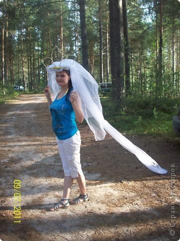 Вот такое украшение сделали сами на машины, жених и невеста, невеста с фатой и короной, жених с цилиндром и бантом) фото 5