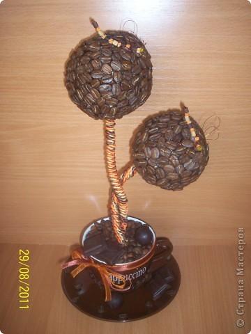 """Вот такое дерево я сделала в кафе """"шоколад"""", под цвет их интерьера, оранжево-шоколадный.за идею стрекозочек и переплетенных стволиков спасибо Светлане Лане. Вот такая вот повторюшка. еще дополнят в кафе 2 деревца только с одним шаром в таком же стиле, пока в процессе. фото 4"""