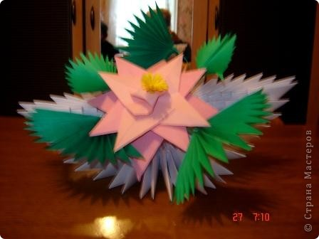 """Популярность модульного оригами набирает обороты. Вот ещё несколько работ на ваш суд.  """"Цветочная композиция"""" фото 1"""