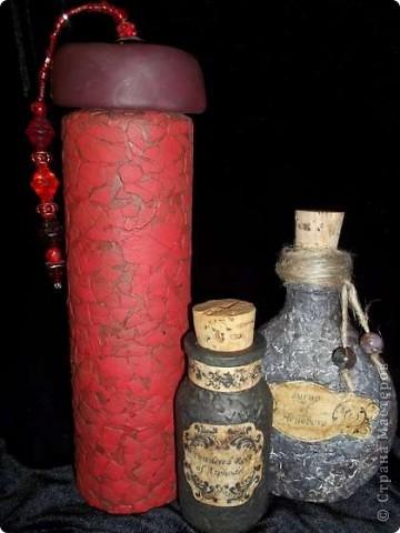 Можно взять банальную бутылочку и превратить ее в маленькое произведение искусства. фото 2