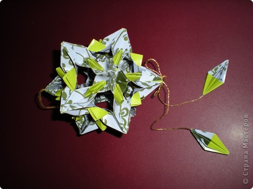 Однажды, к Рождеству, свекровь  сделала подарок, завернутый в красивую упаковочную бумагу. Я ее не выбросила, вот что из нее родилось через несколько месяцев.  фото 1