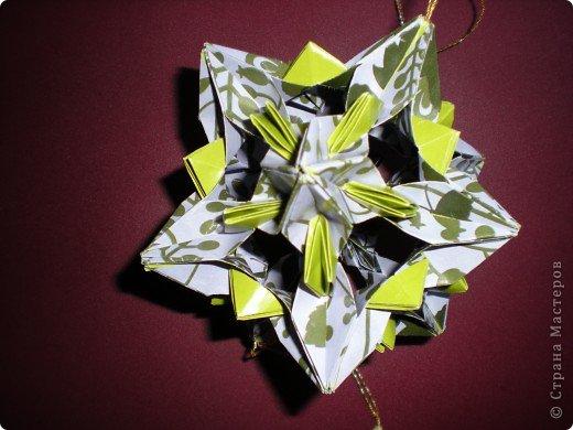 Однажды, к Рождеству, свекровь  сделала подарок, завернутый в красивую упаковочную бумагу. Я ее не выбросила, вот что из нее родилось через несколько месяцев.  фото 2