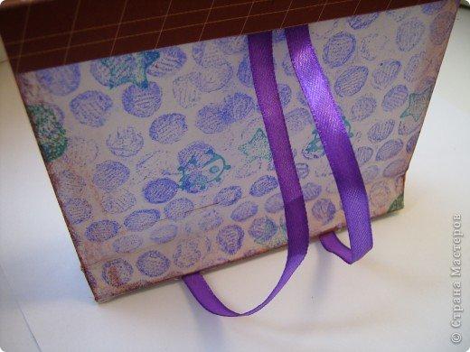 В одном из блогов был МК по созданию упаковки - портфеля. Вот мой.  фото 5