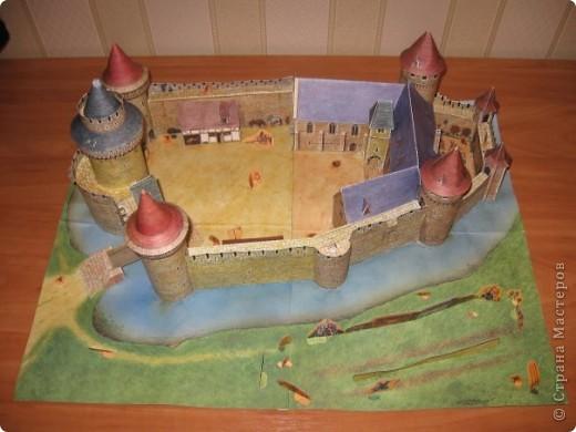 Этот замок сделан из готового набора, купленного в книжном магазине  фото 2