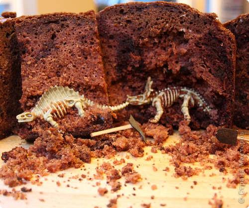 Устроить из именинного пирога <a href=http://vanessalee.ru/?p=4114>настоящие палеонтологические раскопки</a>? Почему бы и нет? фото 1