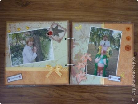 Мой первый скрап-альбом. Создавался  в подарок дорогому и близкому человеку по случаю дня рождения.  В нем 6 листов, 5 равзворотов и 12 фотографий. Страницы из обычного картона, размером 20x20 см. Застежка из тесьмы, предназначенная, вероятно,  для ткани)) фото 5
