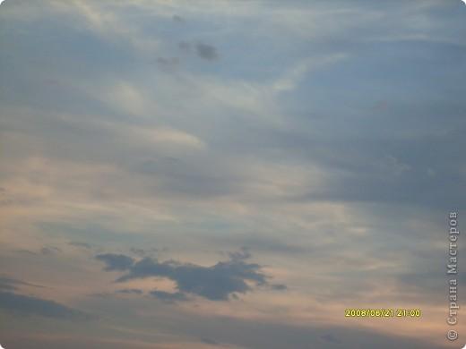 …….. в фоторепортаже представлены фотографии нескольких лет……… ………….. 2008 день солнцестояния первое мое знакомство  с Аркаимом , как с местом Силы………                Место Силы……..места силы находятся в узлах кристаллической решетки Земли……возникают МС в месте геофизических аномалий, подземных трещин, потоков идущих с ускорением или замедлением( водоворотов)……..люди используют их благие энергии для духовного и физического роста…эти места усиливают мыслеформы человека…….это места , где божественное находиться прямо у нас над головой и мы можем войти с ним в контакт без всяких посредников…..скорость движения времени, плотность пространства, изменение качества и количества энергетики в этих местах сильно отличается от  « базового» состояния МИРА……..  фото 14