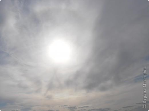…….. в фоторепортаже представлены фотографии нескольких лет……… ………….. 2008 день солнцестояния первое мое знакомство  с Аркаимом , как с местом Силы………                Место Силы……..места силы находятся в узлах кристаллической решетки Земли……возникают МС в месте геофизических аномалий, подземных трещин, потоков идущих с ускорением или замедлением( водоворотов)……..люди используют их благие энергии для духовного и физического роста…эти места усиливают мыслеформы человека…….это места , где божественное находиться прямо у нас над головой и мы можем войти с ним в контакт без всяких посредников…..скорость движения времени, плотность пространства, изменение качества и количества энергетики в этих местах сильно отличается от  « базового» состояния МИРА……..  фото 81