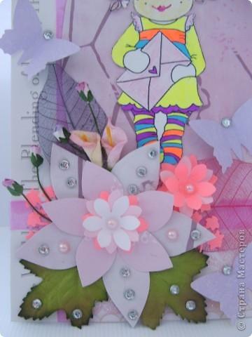 Гуляя в интернете нашла замечательный блог и увидела там набор конкурс в ДК и решила попробовать!!! Знаю, что мои работы не произведения искусства...эх, была не была!!! По условиям надо сделать 2 открытки в стиле шебби и винтаж, в шебби я не сильна и признаться это моя первая работа в этом стиле!!! Итак смотрим. Эта винтажная открытка, все цветочки самодельные  фото 5