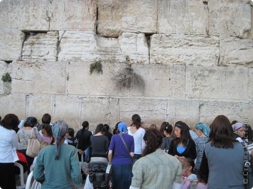 Доброе время суток, дорогие гости и мастерицы! В августе с подругой ездили в Турцию. Была уникальная возможность побывать в святом Иерусалиме, городе Иисуса Христа, царей Давида и Соломона, пророка Мухаммеда. Это одно из древнейших поселений, которому более 3500 лет, и священное место для трех религий - иудаизма, христианства и ислама. У христиан оно ассоциируется с распятием и вознесением Христа. В Иерусалиме сосредоточено огромнейшее количество памятников истории, религии и архитектуры.  фото 22