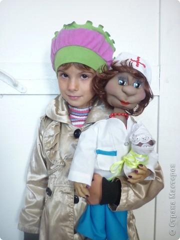 вот такую куколку мы подарили доктору которая будет через два месяца принимать у нас роды фото 1