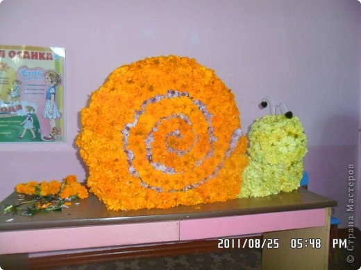 улитка из цветов на паролоне фото 1
