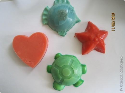 Сааамое первое) с кусочками глициринового. Думаю каждый мыловар вспомнит подобное ))) фото 8