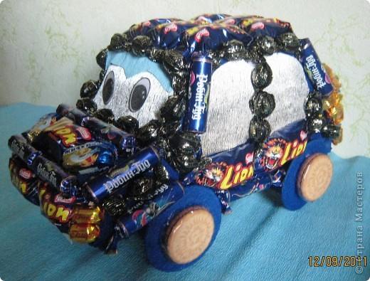 Вот такая получилась машинка мальчику на 8 год. фото 3