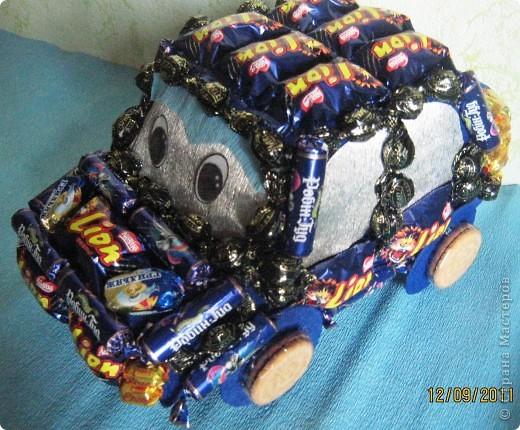 Вот такая получилась машинка мальчику на 8 год. фото 5