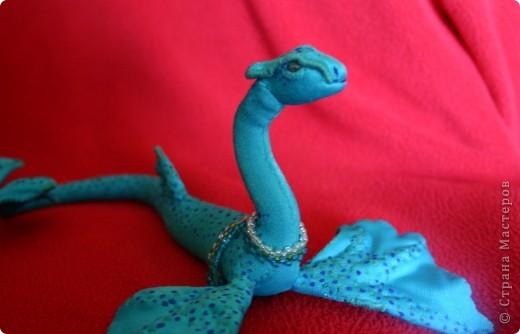 Морской леопардовый змей, фэтан, и по задумке, и по технологии, сшился за 6 дней в Ялте. Первая фотография сделана на Массандровском пляже (перед штормом 27 августа 2011). Фотографию делал Дмитрий, мой муж. фото 3