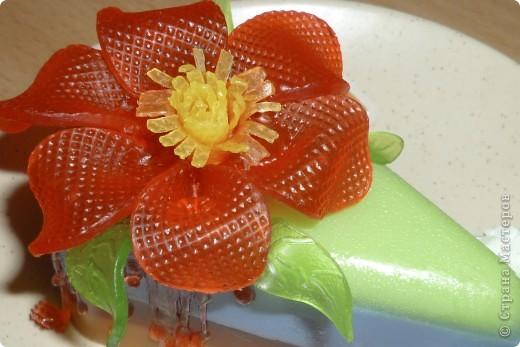 Изготавливала 3 часа, фактура цветка с пластиковой одноразовой тарелки. фото 1