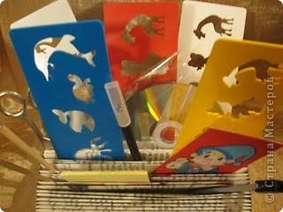 В этом году моя племяшка пошла в первый класс - успехов ей в учёбе!Cделала ей эту подставочку для хранения трафаретиков, кисточек, бумажек для записей и другой мелочи. Удовольствие получила несказанное: во-первых, подарочек эксклюзивный и очень нужный, во-вторых, нашла способ использовать старые ненужные книги.  фото 6