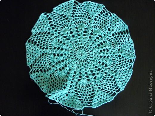 Связа пока только основу из ажурной пехорки  по схеме Голубки , получается очень красиво. фото 1