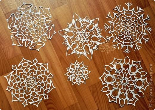 Мастер-класс Новый год Вырезание Научить вас вырезать снежинки? МК Бумага фото 12