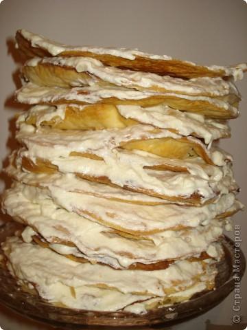 Конечно у каждой хозяйки есть свои 2-3 рецепта торта, кекса или десерта, которые получаются всегда. Вот и у меня есть такой рецепт торта «Наполеон».  фото 2