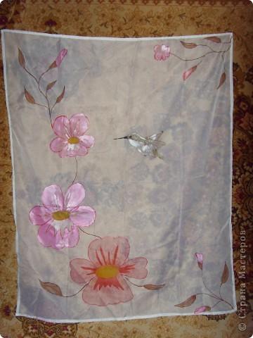 Одна из первых работ. Рисовала долго, планировала платок, получилась картина. Осталось только рамочку сделать!