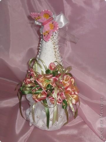 Цветочки решила сделать из атласных  лет . Низ бутылки из подкладочный ткани. фото 1