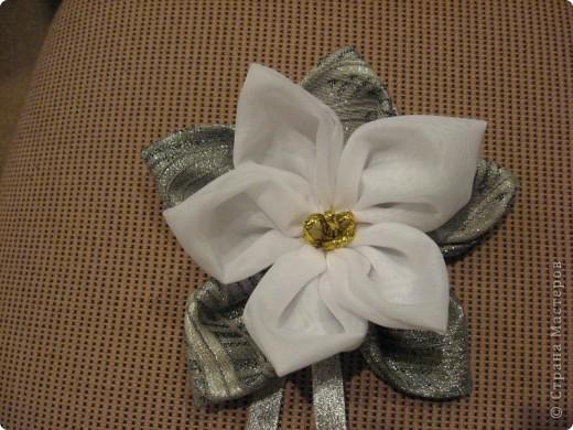 Здравствуйте, жители Страны мастеров!!!!    Я сегодня с новой работой-это цветок для дизайна (его можно и на штору повесить и использовать как украшение интерьера или ещё как-нибудь...) фото 2
