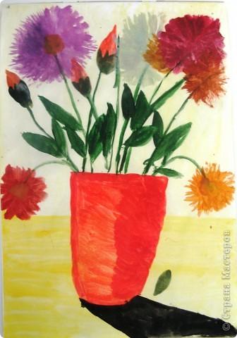 В мире цветов так тепло и прохладно Целый букет ароматов и звуков… Каждый цветок – он по-своему нарядный… В форме изысканных праздничных кубков. Лариса Кузьминская  Работа Рощупкиной  Екатерины  9 лет.    фото 2