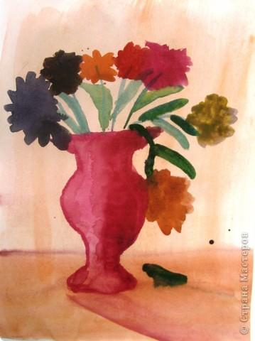 В мире цветов так тепло и прохладно Целый букет ароматов и звуков… Каждый цветок – он по-своему нарядный… В форме изысканных праздничных кубков. Лариса Кузьминская  Работа Рощупкиной  Екатерины  9 лет.    фото 1