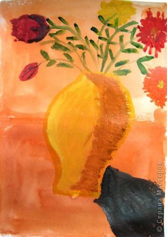В мире цветов так тепло и прохладно Целый букет ароматов и звуков… Каждый цветок – он по-своему нарядный… В форме изысканных праздничных кубков. Лариса Кузьминская  Работа Рощупкиной  Екатерины  9 лет.    фото 3