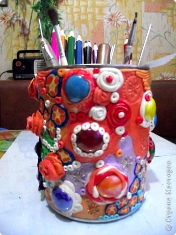"""Облепила банку из под детского питания пластикой """"Цветик""""-это был мой первый опыт работы с пластиком!Такой """"полимерный пэчворк"""" получился))) фото 2"""