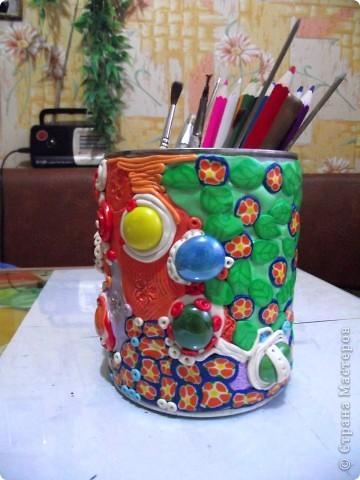 """Облепила банку из под детского питания пластикой """"Цветик""""-это был мой первый опыт работы с пластиком!Такой """"полимерный пэчворк"""" получился))) фото 3"""