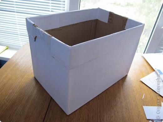 Я решила, что подруге явно не хватает в хозяйстве коробки для рукоделия. То, что это будет именно коробка, я решила точно, но вот какая она будет - долго перебирала варианты. В итоге вот что вышло.  Расскажу по этапно, может, кому пригодится)) фото 7