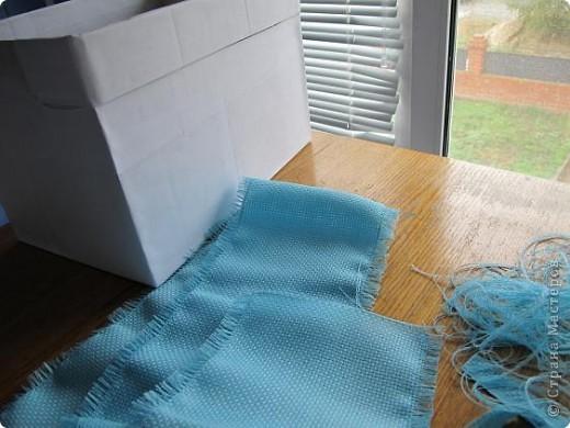 Я решила, что подруге явно не хватает в хозяйстве коробки для рукоделия. То, что это будет именно коробка, я решила точно, но вот какая она будет - долго перебирала варианты. В итоге вот что вышло.  Расскажу по этапно, может, кому пригодится)) фото 8
