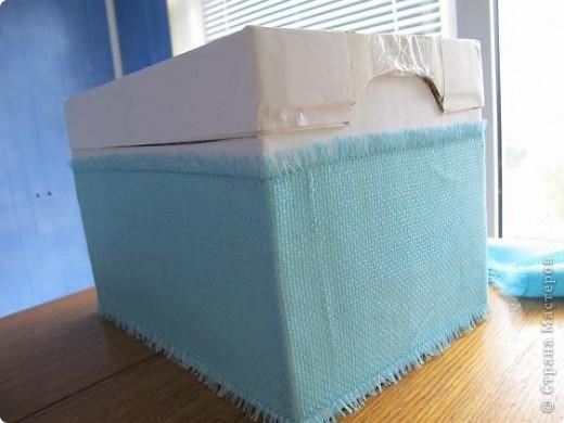 Я решила, что подруге явно не хватает в хозяйстве коробки для рукоделия. То, что это будет именно коробка, я решила точно, но вот какая она будет - долго перебирала варианты. В итоге вот что вышло.  Расскажу по этапно, может, кому пригодится)) фото 10